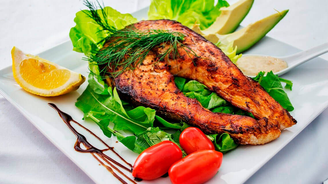 What are the benefits and risks of the low carb diet?