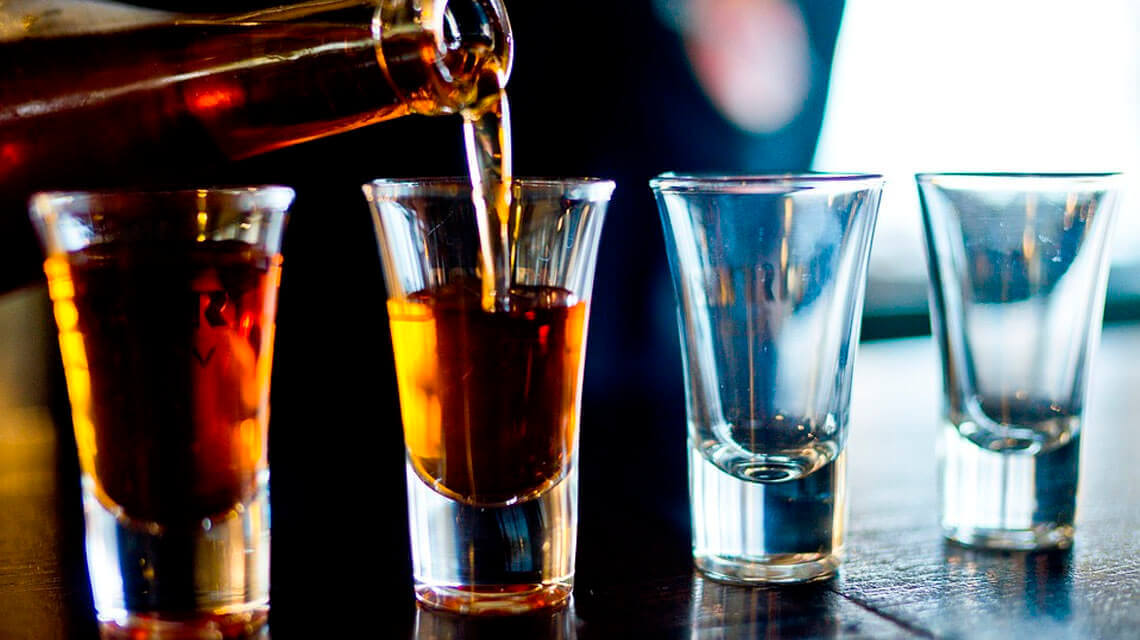 How alcohol affects bodybuilding?
